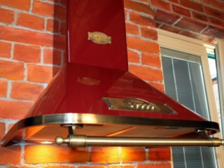 Empire – дизайнерская линейка кухонных вытяжек от Kaiser