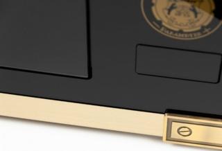 Новинки в дизайне от компании Kaiser - микроволновка с бронзовой фурнирой
