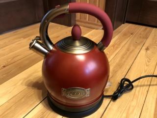 Вращение на подставке на З60° в электрических чайниках Kaiser